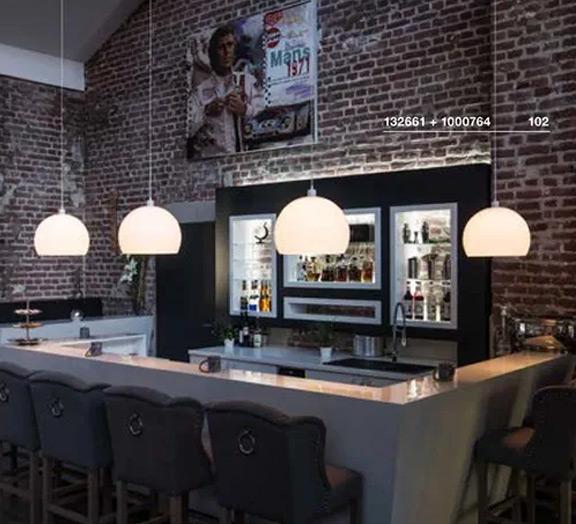 Moderne Bar-Beleuchtung