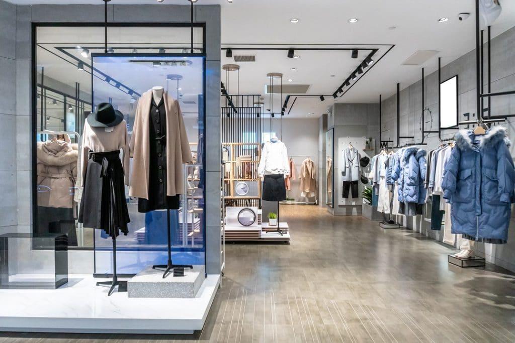 Moderne Ladeneinrichtung Modeladen